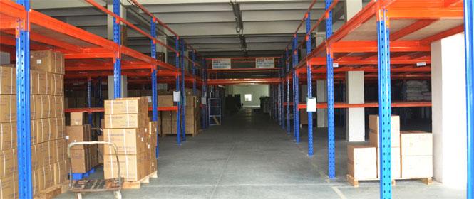 对于小仓库及小货物用哪种仓储货架较好?