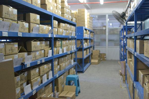 怎么区分五金电子厂仓储货架的主架和副架?
