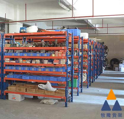 五金货架的立柱有什么特性?广东五金厂家分享一下。